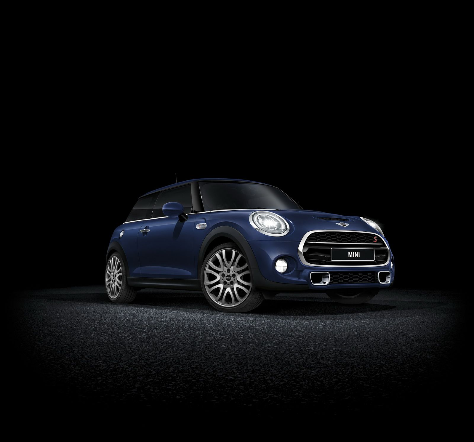 New Limited Edition Cooper S Jermyn Is Mini S Latest Offering To Japan Carscoops Mini Cooper S Mini Cooper Mini