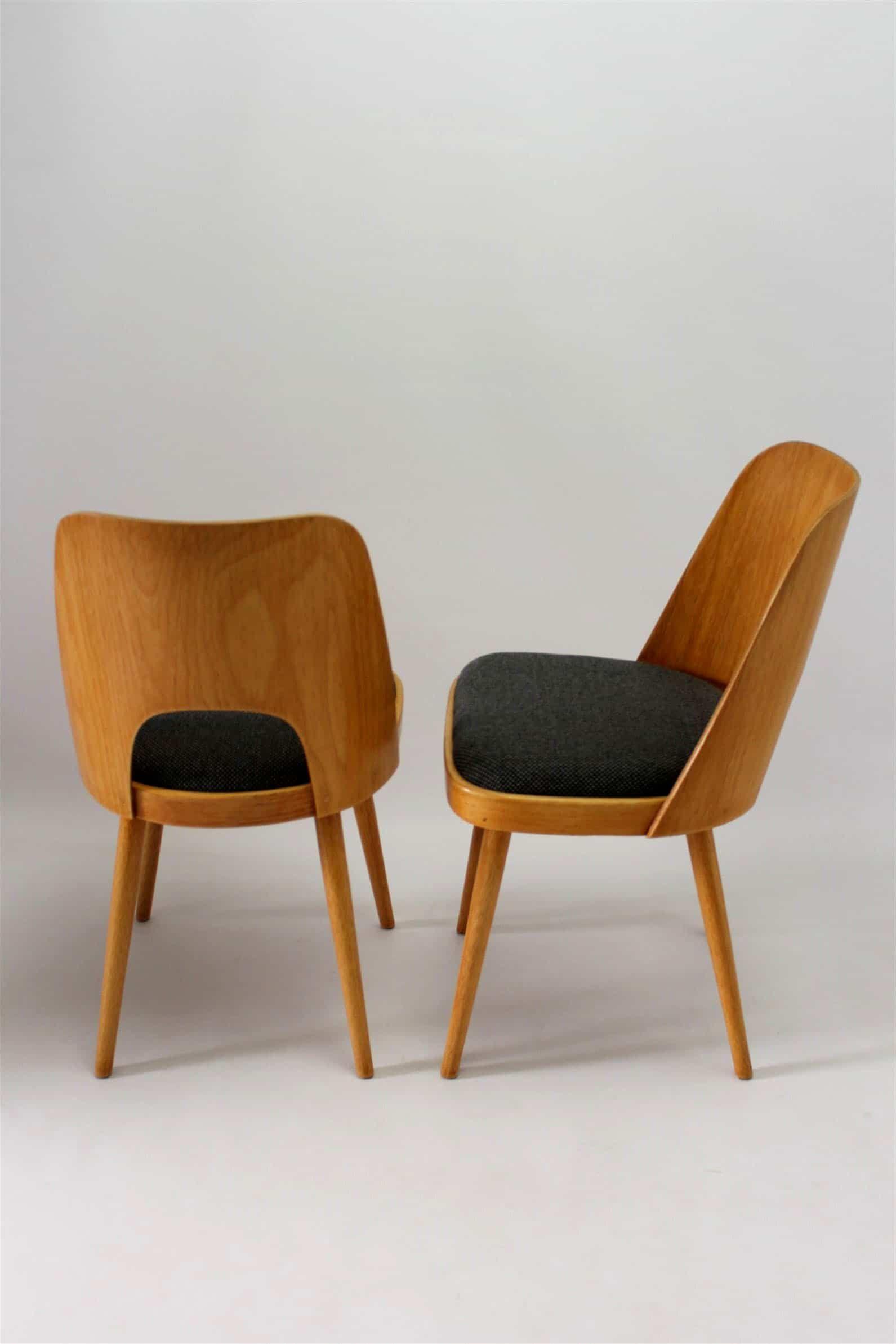 Para krzeseł TON proj O Haerdtl lata 50