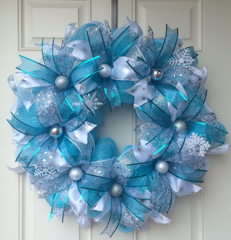 Pin By Tara Biggers On Bumblebee Wreaths Deco Mesh Christmas Wreaths Blue Christmas Decor White Christmas Wreath