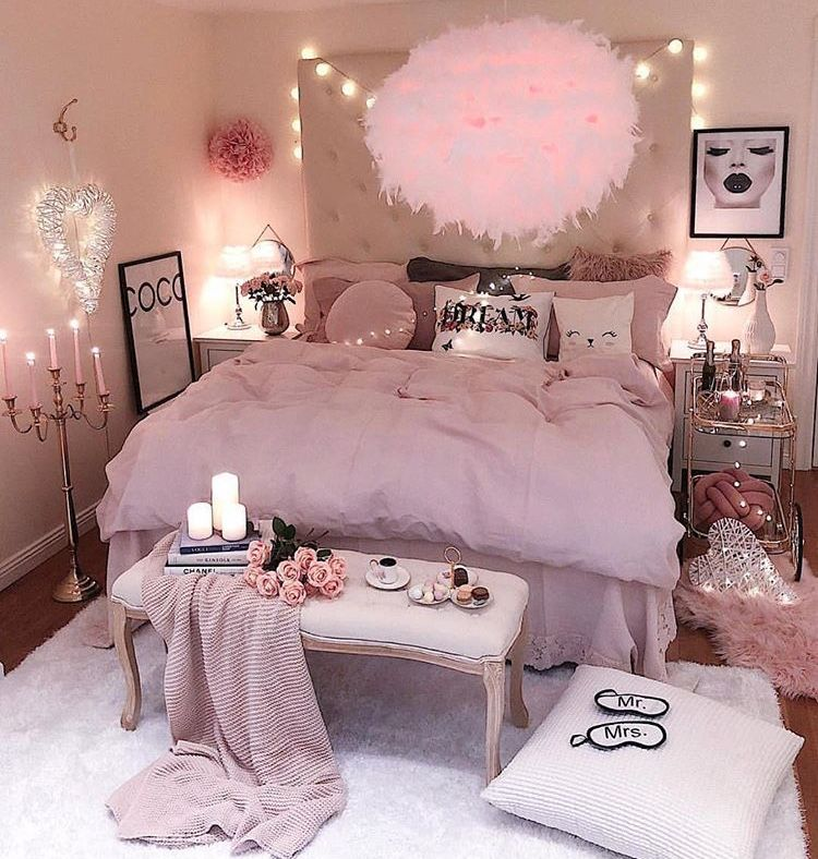 Pin By Kimber On Bedroom Ideas Pink Living Room Pink Bedroom Decor Pink Living Room Decor