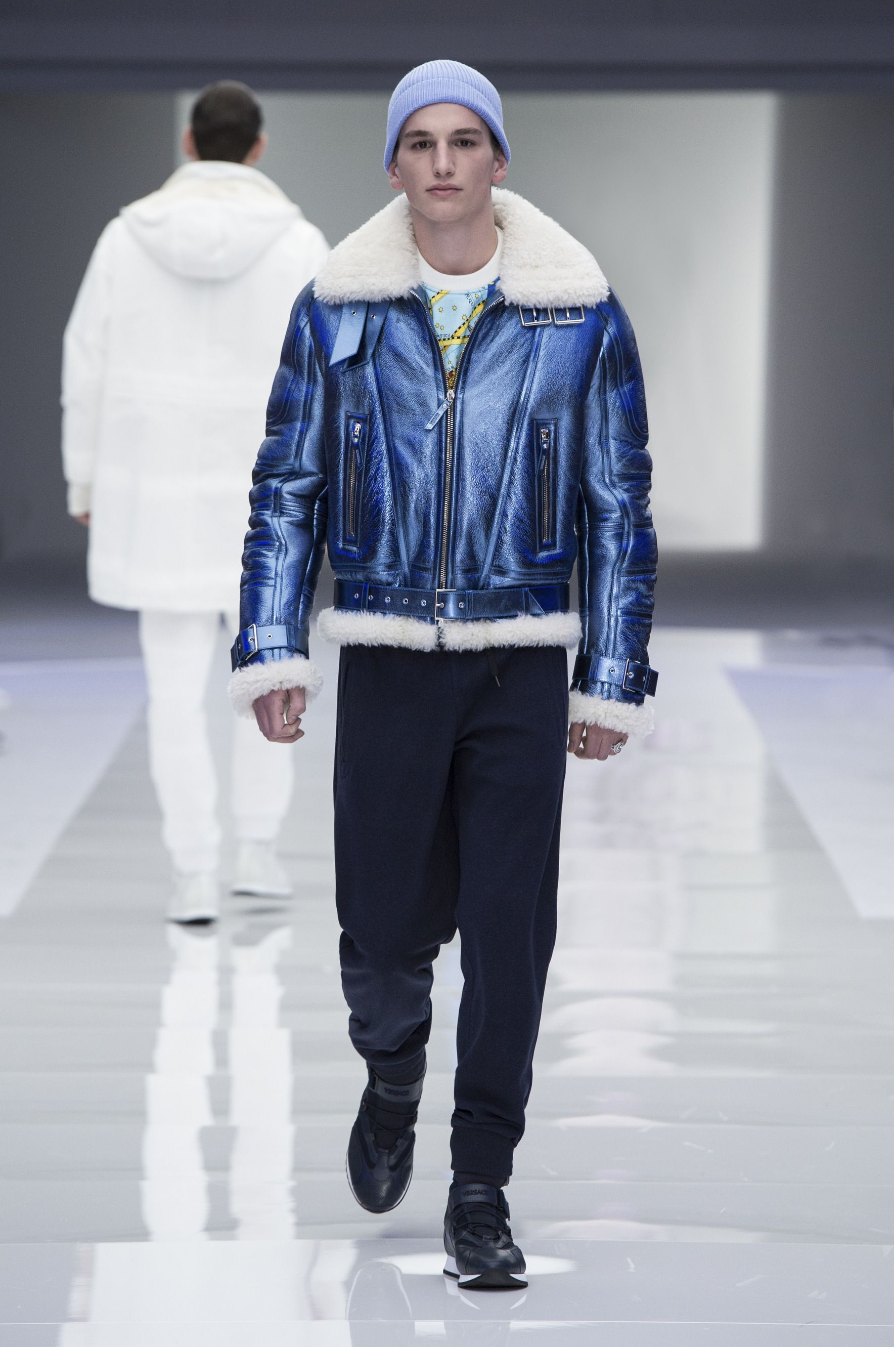 0fbf1cb5106 Look 23 -  Versace Men s Fall Winter 2016 fashion show.  VersaceMenswear