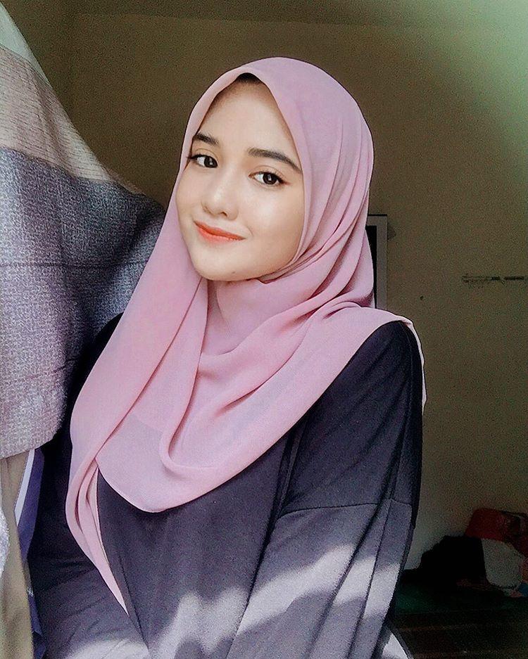Instagram di 2020 | Wanita, Gadis lucu, Gaya hijab