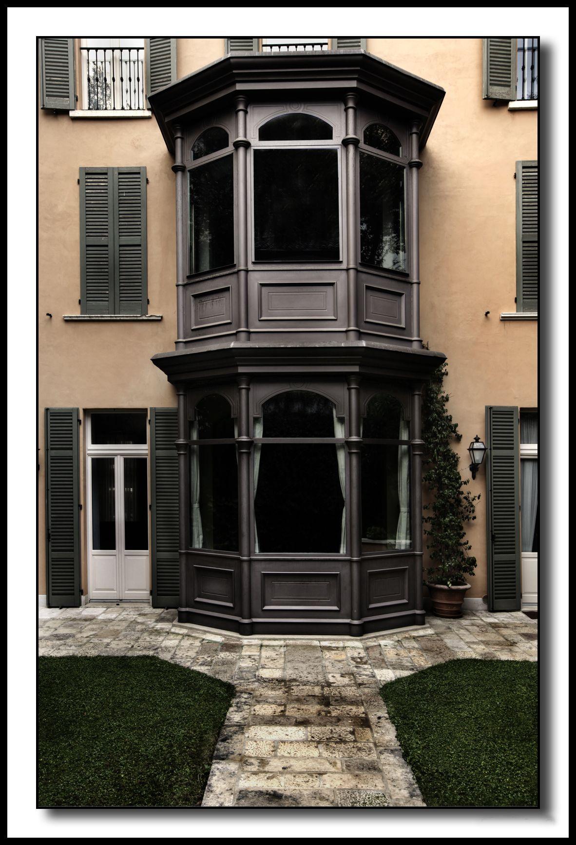Complementi di arredo moderno bow window in ferro for Complementi d arredo moderno
