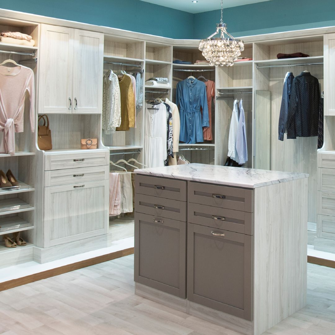 Dream Closet In 2020 Closet Storage Systems Custom Closet