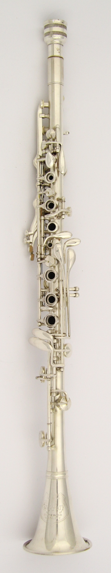 clarinet history The clarinet is a type of woodwind instrument that has a straight cylindrical tube with a flaring bell and a single-reed mouthpiece a person who plays the clarinet is called a clarinetist or clarinettist.