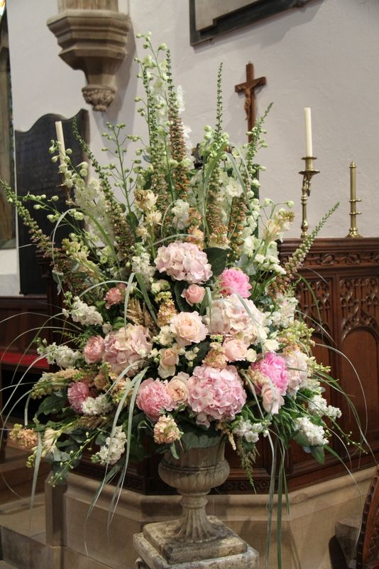Next To The Pulpit Another Huge Pedestal Design Dominated By Delphiniums And Digitalis With Hydrangeas Stocks Peonies English Garden Roses Fragrant