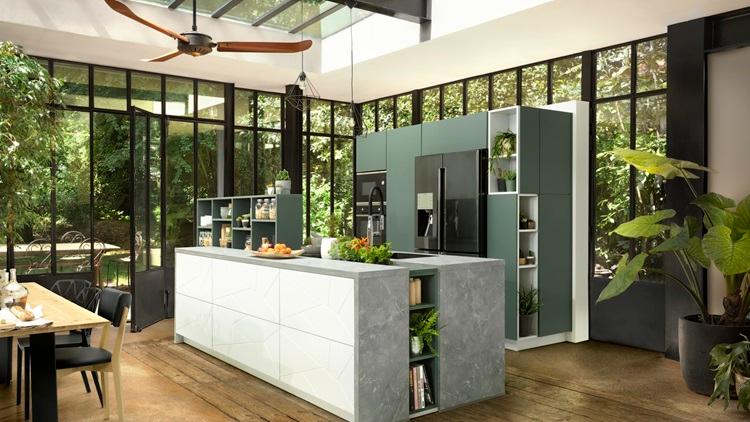 Cuisines Modernes Equipees Sur Mesure Schmidt En 2020 Cuisine Americaine Grande Table De Cuisine Cuisine Verriere