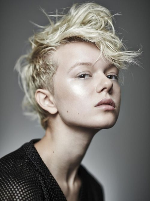 pixie cropped hair short messy