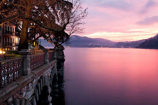 sunset lake Lake como, Resort, Romantic