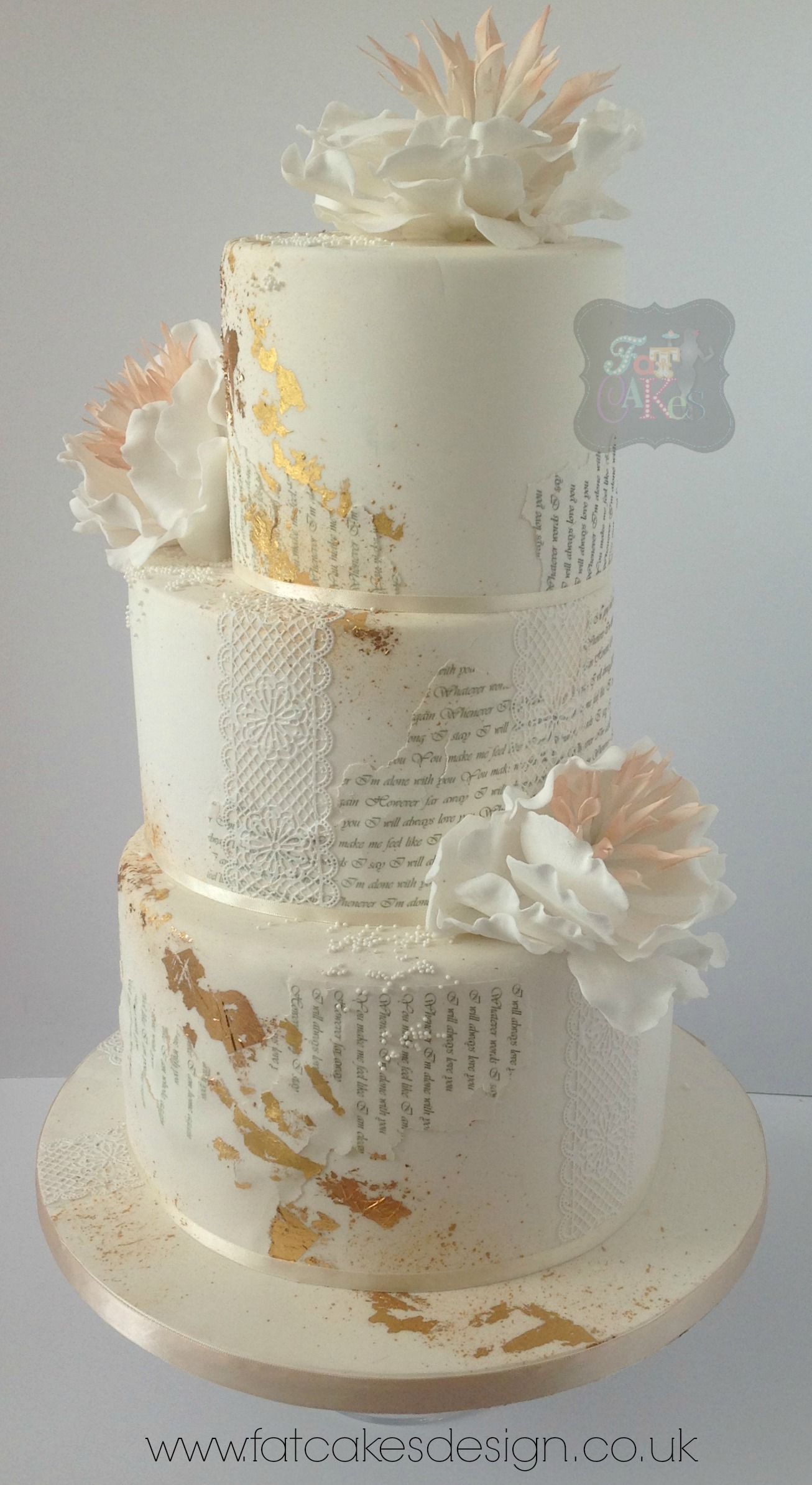 text wedding cake gold leaf lace peach and ivory sugarflowers a quirky cake that can have. Black Bedroom Furniture Sets. Home Design Ideas