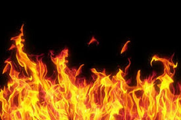 A fire broke out in the Adharwadi dumping ground in Kalyan late Tuesday afternoon, according to The Indian Express. The local residents