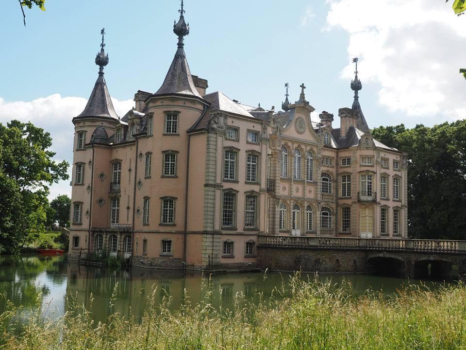 Poeke kasteel