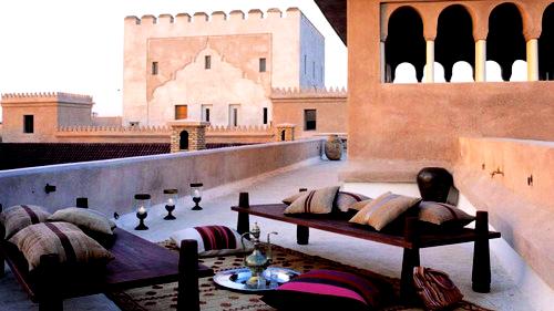Arabesque patio