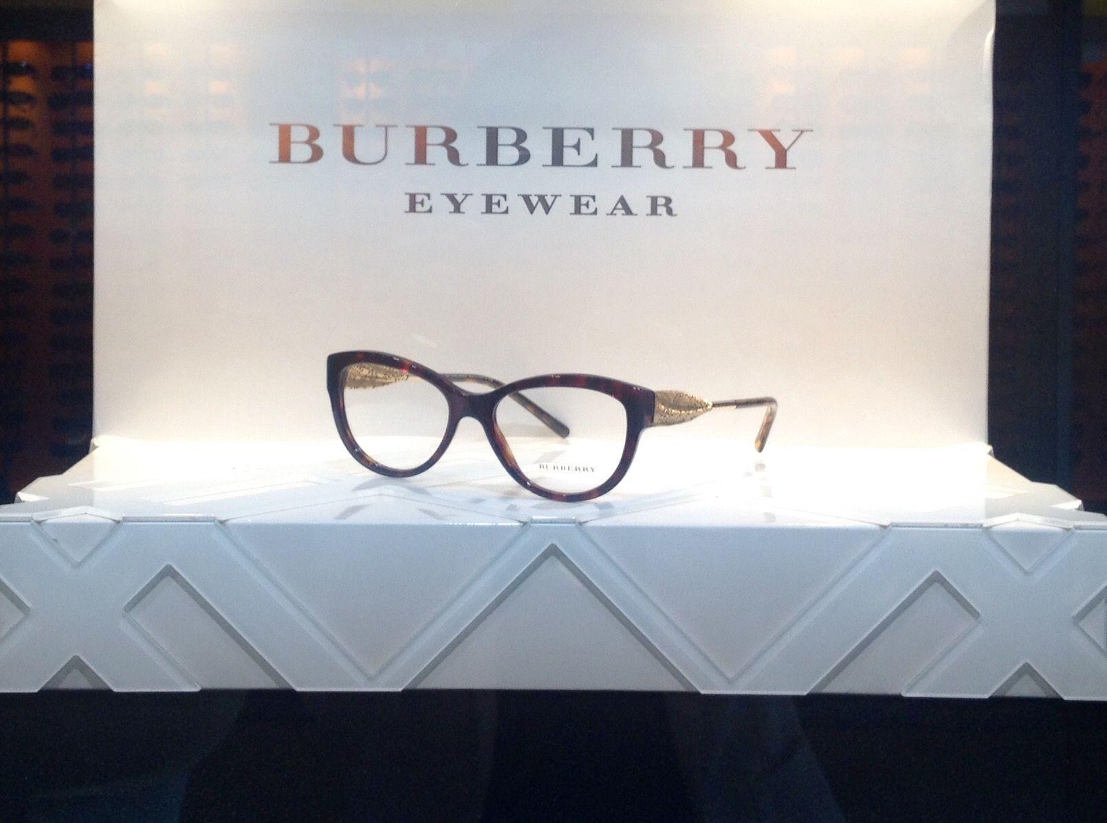 Burberry vitrine interne 2016