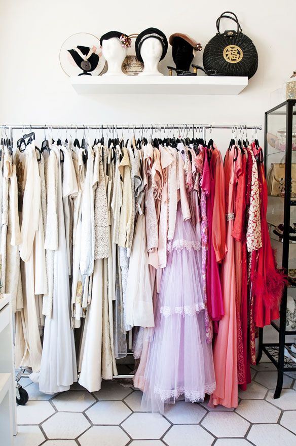 Palm Springs Shopping Guide For Rue In 2020 Vintage Clothing Stores Vintage Spring Outfits California Outfits