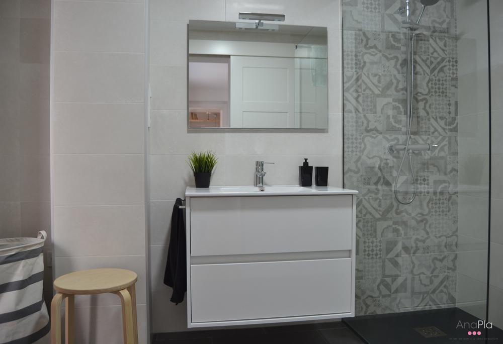 Un cuarto de baño con baldosa hidráulica | Cuarto de baño, Baño y ...