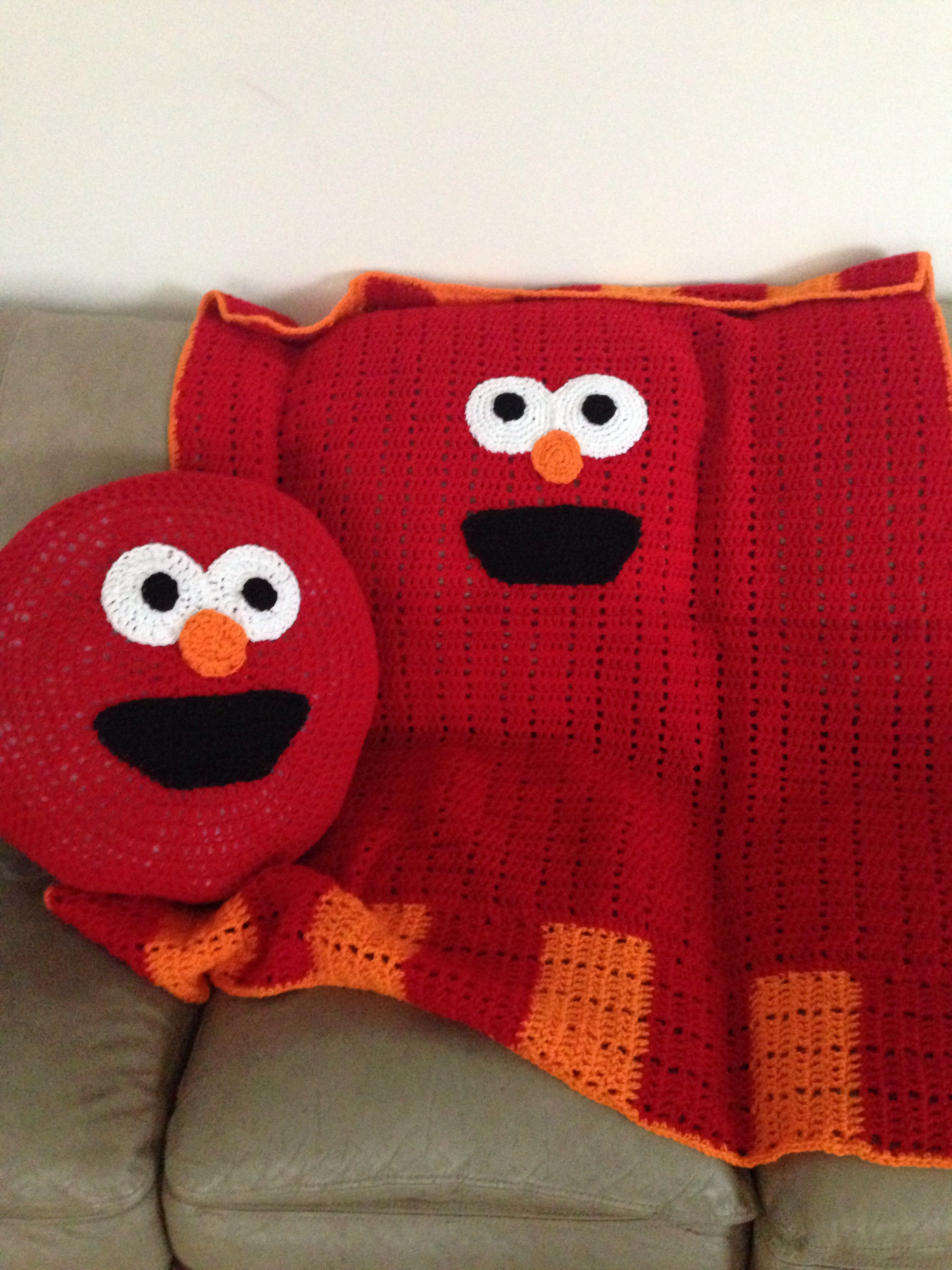 Elmo blanket and pillow   crochet baby afghan's part two ...