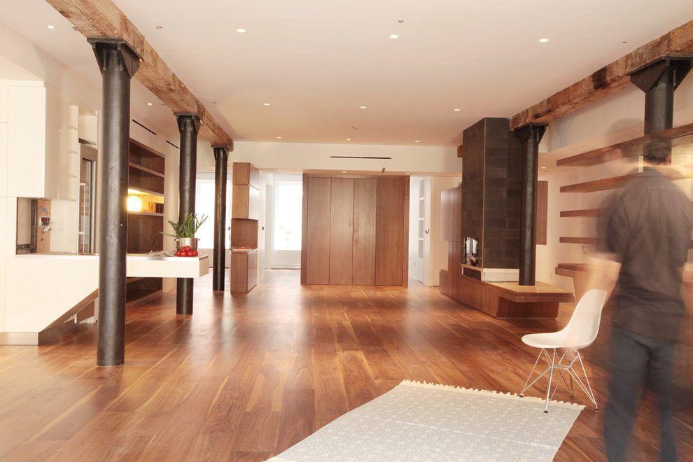 kreative moderne wohnung interieur donovan hill, modern columns design living room industrial with built in shelves, Design ideen
