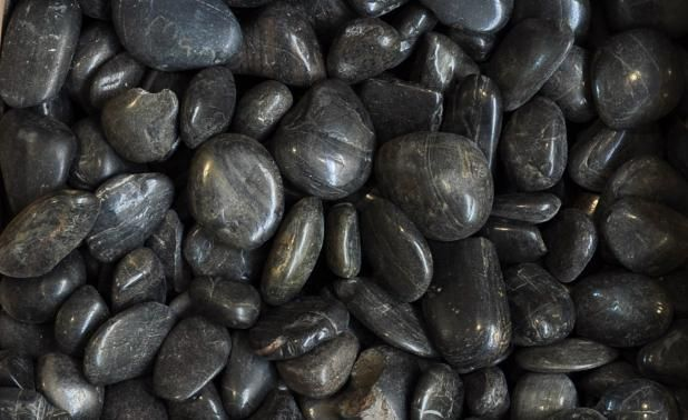 Nero pebbles polished black pebbles 1 1 2 to 2 from for Decorative river stones