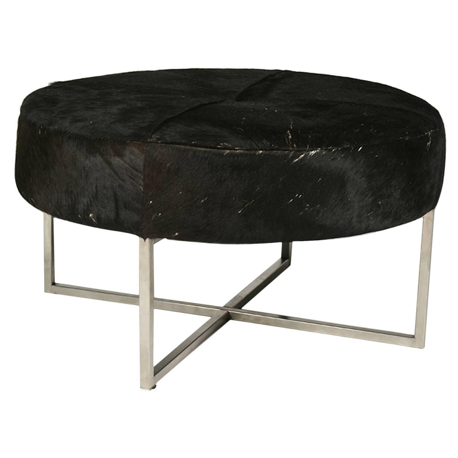mid century modern ottoman. Mid-Century Modern Cow Hide Upholstered Round Bench | See More Antique And Ottomans Poufs At Https://www.1stdibs.com/furniture/seating/ottomans- Mid Century Ottoman N