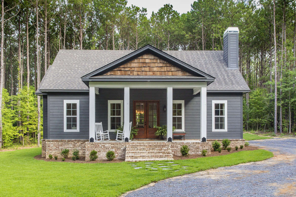House Plan 1070 00298 Country Plan 1 631 Square Feet 3 Bedrooms 2 Bathrooms In 2021 Modern Farmhouse Plans Cottage House Plans Farmhouse Plans