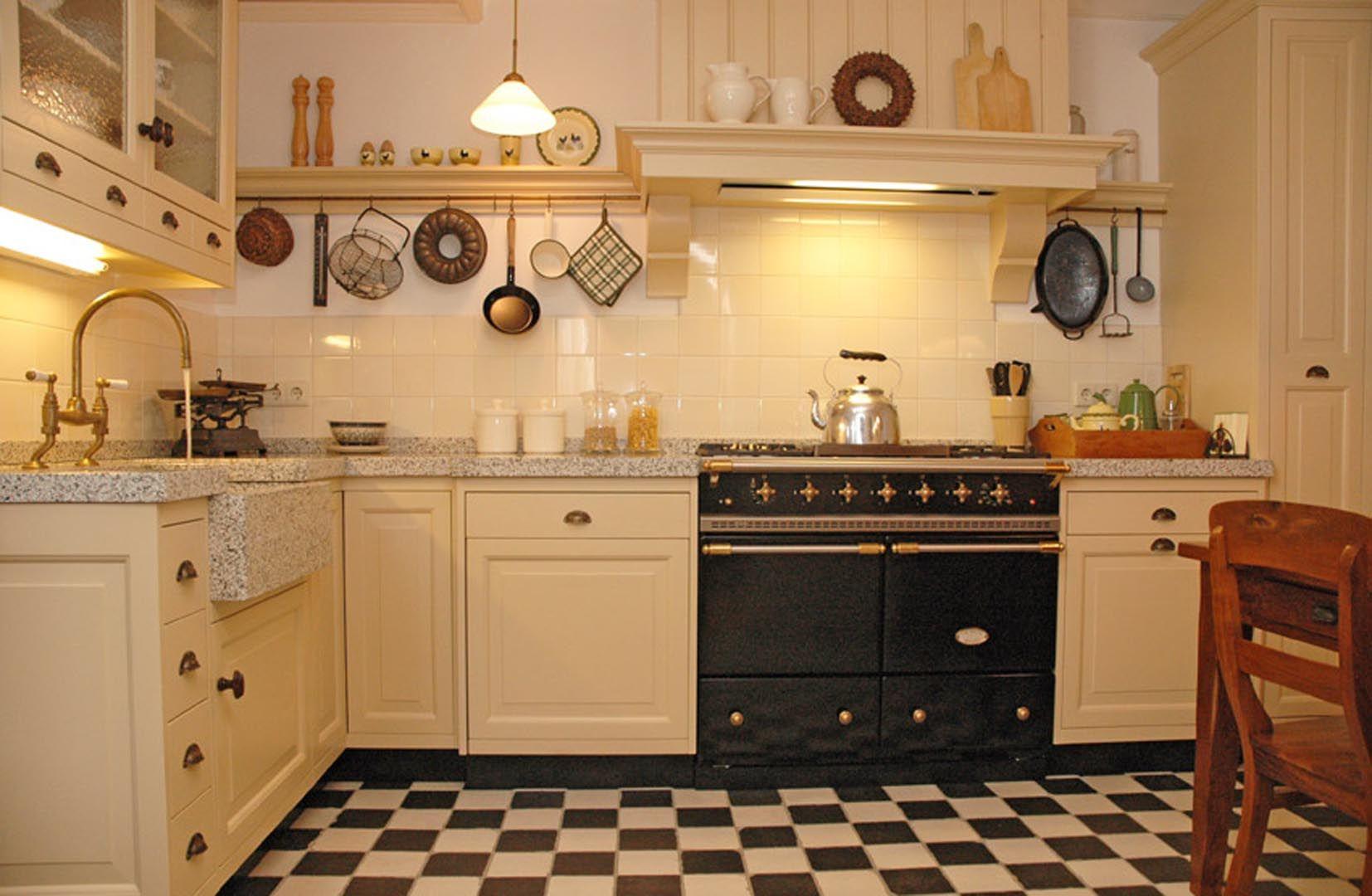Landelijk Hoek Keuken : Landelijke hoekkeuken van variant keukens met schitterende aga