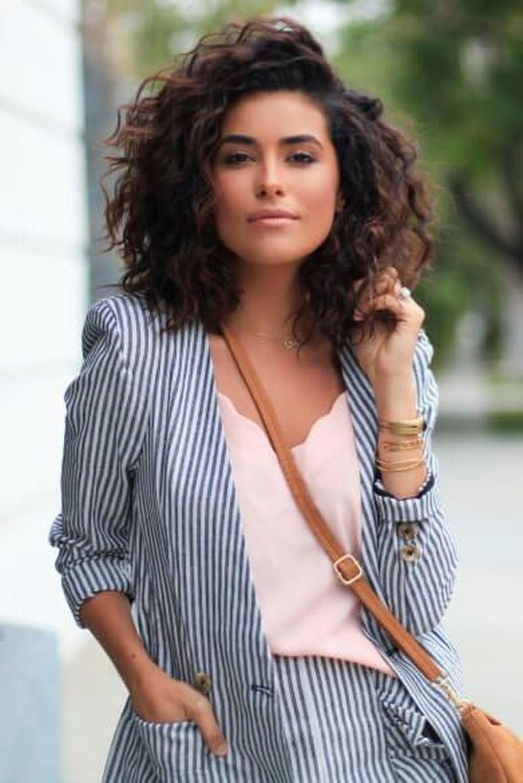 28+ Pretty Short Hairstyles Curly Hair 2019