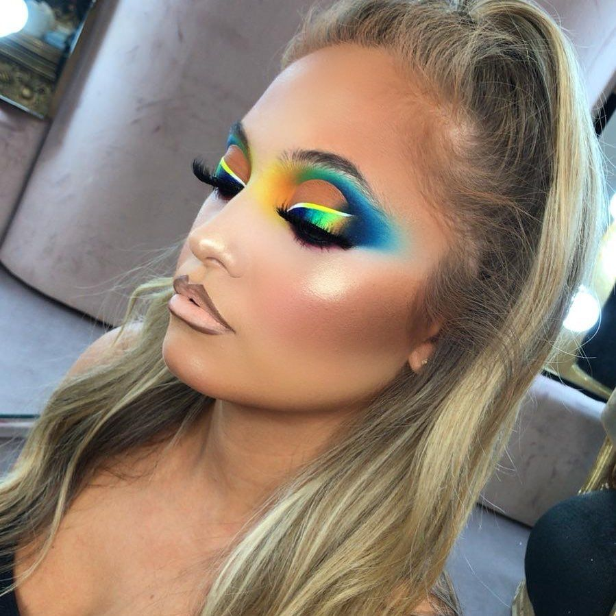 "P.Louise Makeup Academy on Instagram: ""𝒲𝑒 𝐻𝒶𝓋𝑒 𝒮𝑜𝓂𝑒 𝒞𝓇𝒶𝓏𝓎 𝒩𝑒𝓌 𝒟𝑒𝒶𝓁𝓈  Spend over £15 get 𝐅𝐑𝐄𝐄 𝐔𝐊 𝐬𝐡𝐢𝐩𝐩𝐢𝐧𝐠 Spend over £30 get 𝐞𝐱𝐩𝐫𝐞𝐬𝐬 𝐖𝐎𝐑𝐋𝐃𝐖𝐈𝐃𝐄 𝐬𝐡𝐢𝐩𝐩𝐢𝐧𝐠 for just £4.99  If you…"""