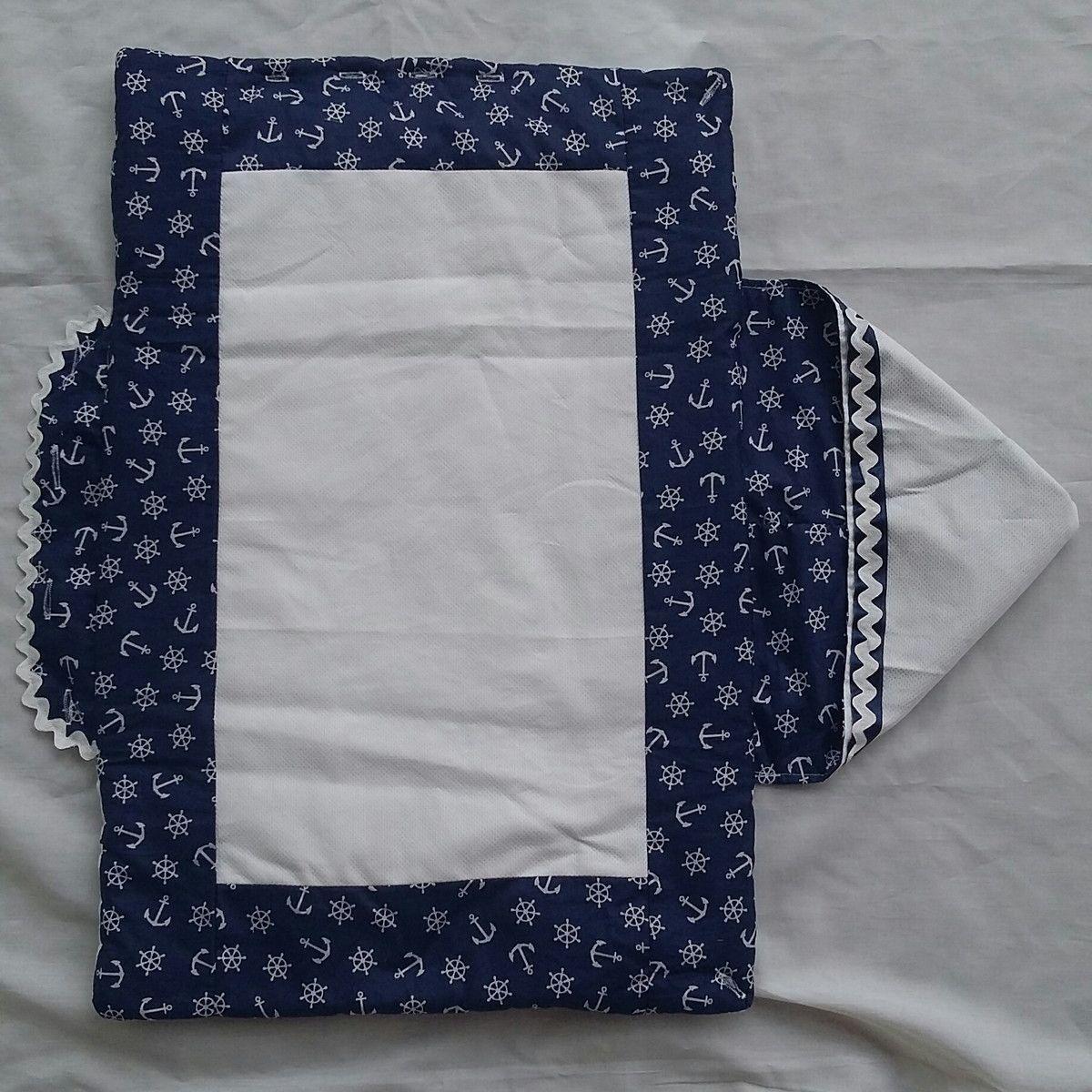 Linda manta personalizada com tema de preferência da mamãe.  Confecionada em tecidos de algodão e acolchoado com manta super fofinha!  Pode ser usada fechada como um aconchegante saco de dormir e aberta como manta.  Ideal para passear com seu bebê!!!!  Medidas 75 x 50 cm.