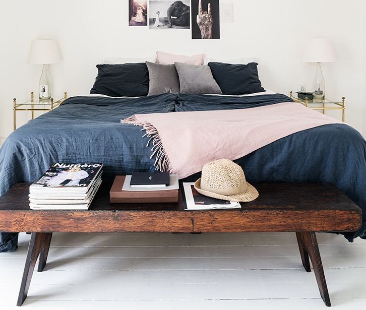 Nice Love The Combination Of Dark Blue And Pink Bedding In This Simplistic  Bedroom Set Up
