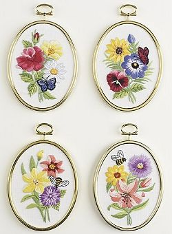 Bee & Butterfly Florals Embroidery 004-0858