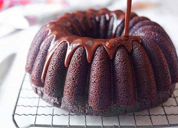 طريقة عمل كيك بصوص الشوكولا طريقة Recipe Nutella Recipes Desserts Food