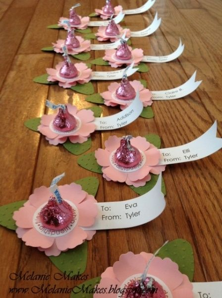 Flowers made from Suckers Valentine Treat – Pinterest Valentine Cards for School