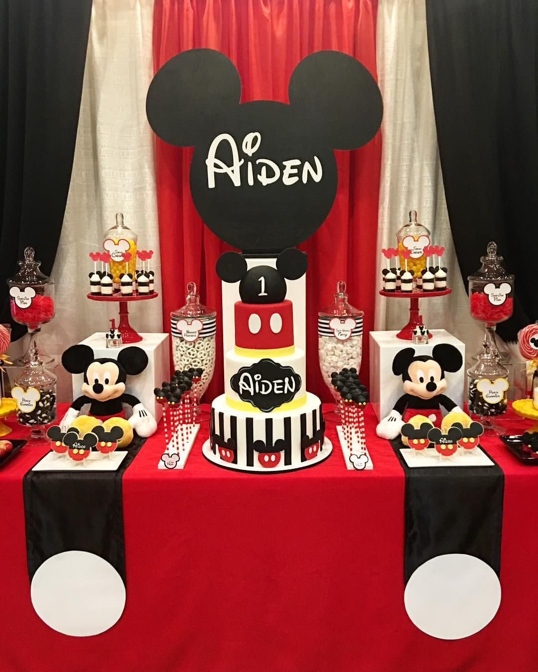 Rachel Nvard Jingozian On Instagram Ca Closer Look At Our Mickey Mouse Themed Dessert Table For
