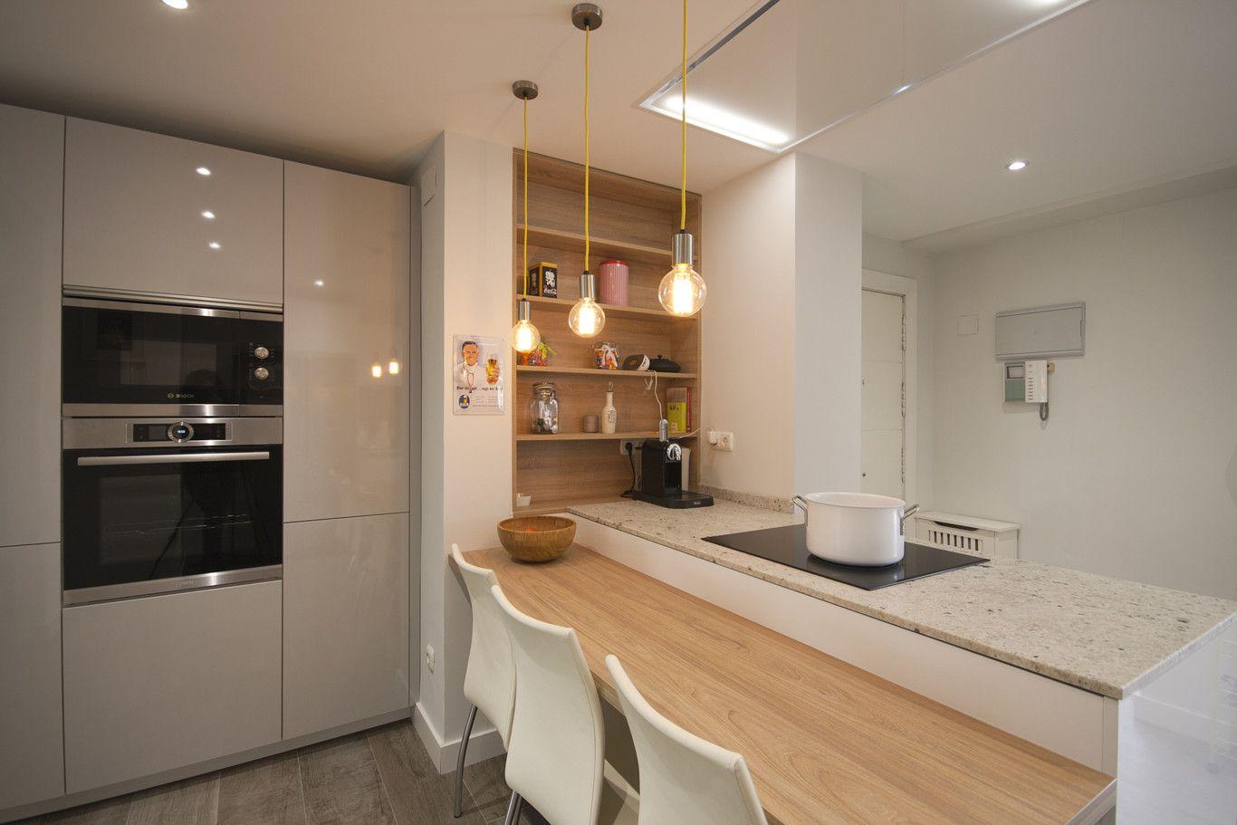 Cocinas Blancas Pequenas Con Peninsula Diseno Santos Brezo 3 | For ...