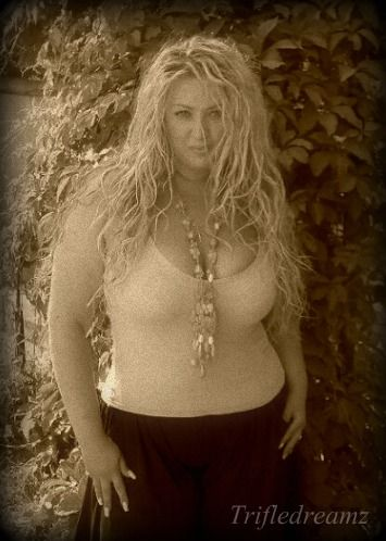 mature rubenesque milf | Mature Beauty & Allure | Beauty ...