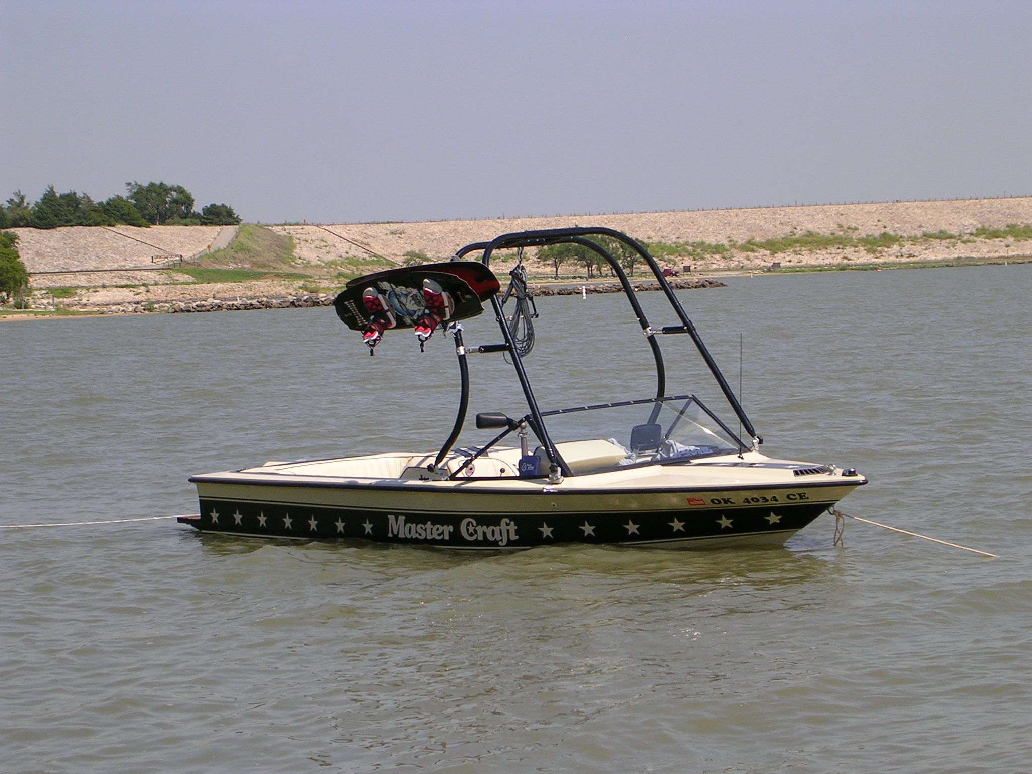Big Air H2o Wakeboard Tower On A Mastercraft Stars And Stripes Boat Wakeboarding Boat Mastercraft Ski Boats