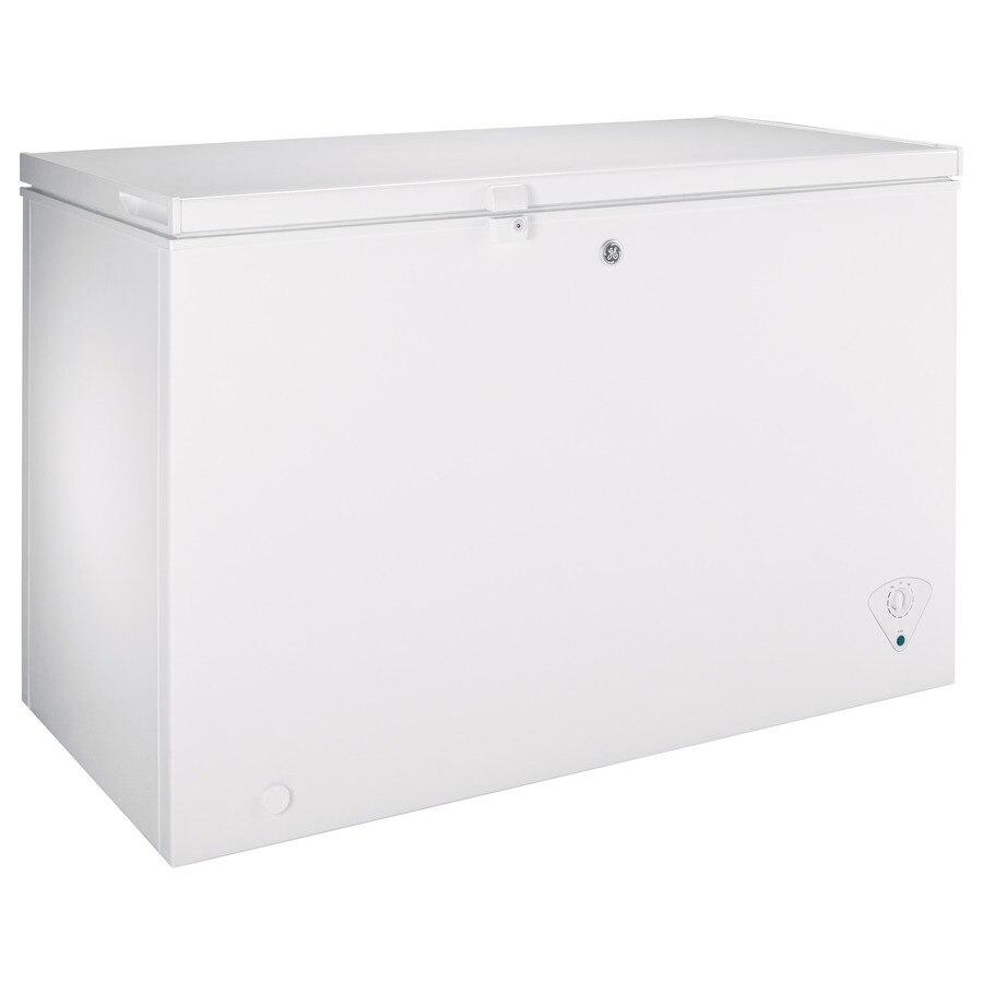 Ge Garage Ready 10 6 Cu Ft Manual Defrost Chest Freezer White Energy Star In 2020 Chest Freezer Energy Star Door Texture