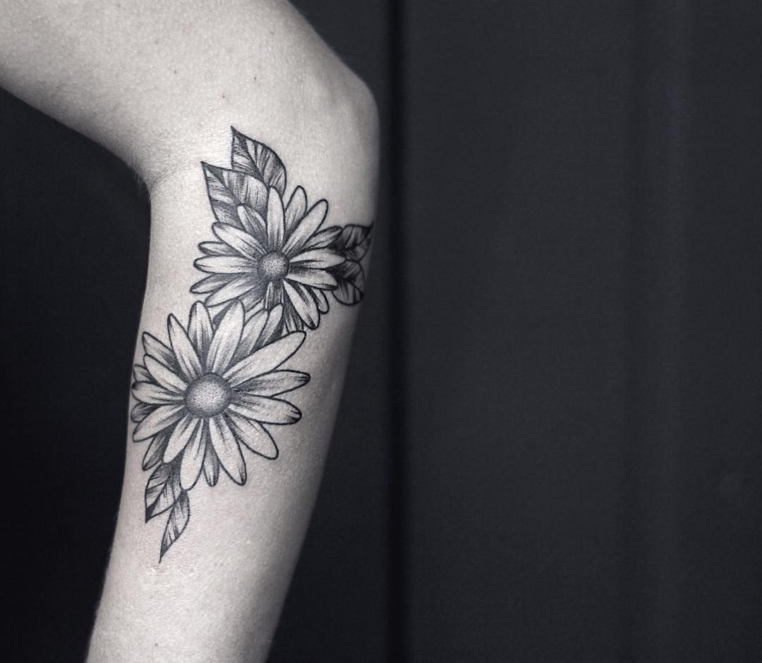 85 Best Daisy Flower Tattoo: To Go With The Pocket Watch