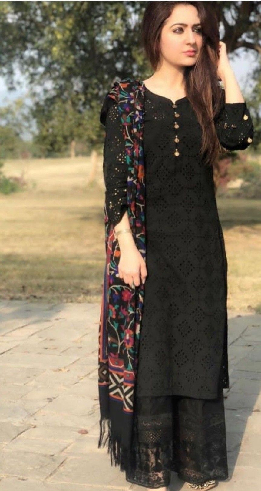 Pin By Rumana Khan On Fashion Kurti Designs Party Wear Pakistani Dress Design Pakistani Outfits