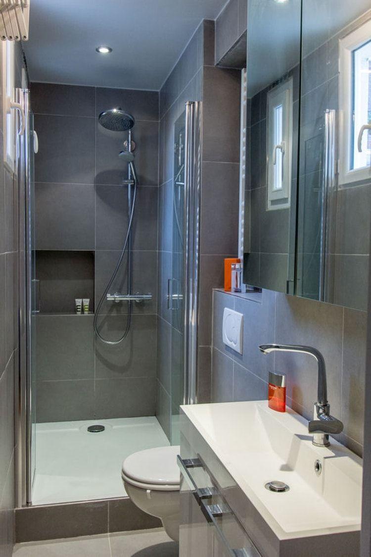 Au fond du couloir | lange smalle badkamer | Pinterest - Lange ...