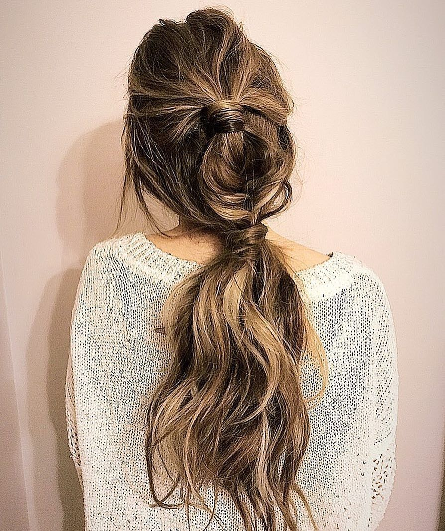 Pretty hairstyle for long hair #hairdo #hairstyles
