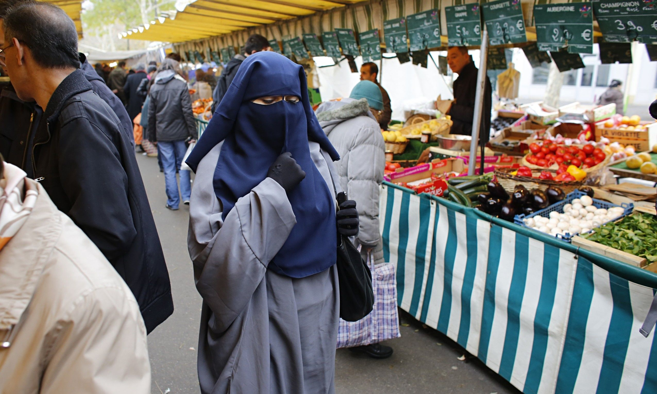 French Muslim Women On Burqa Ban Ruling All I Want Is To Live In Peace Muslim Women Burqa Women