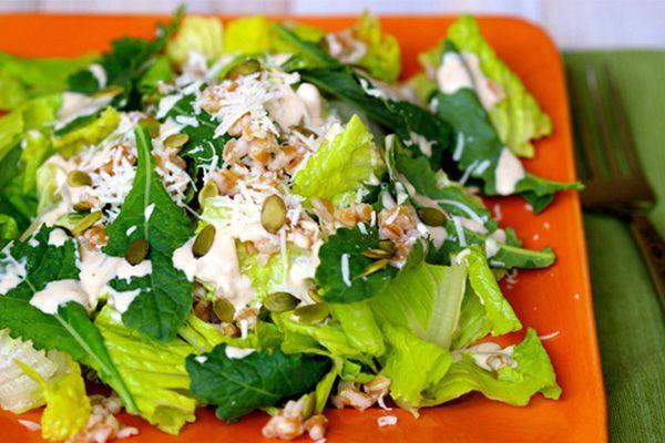 Kale Caesar Salad... so refreshing and filling with a creamy dressing!  #caesarsalad #kalesalad