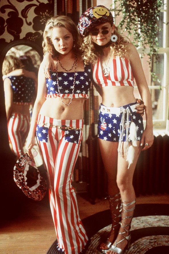 Wow such a throwback! Michelle Williams and Kirsten Dunst in the movie Dick.