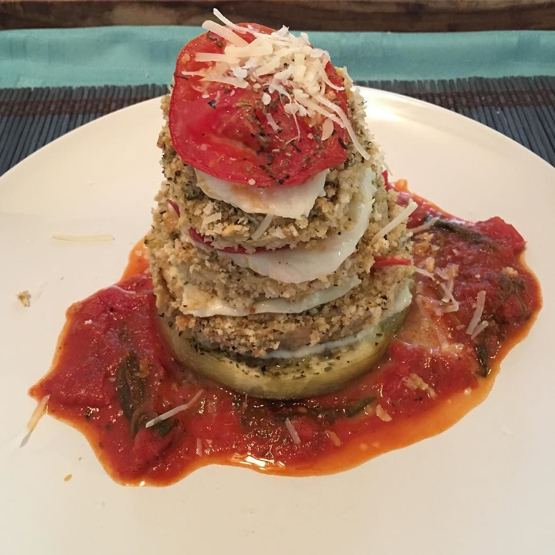 stack for dinner. Simple let delish. . . . . . . . . . . . . #foodie #homecook #yummy #homemade #foodporn #homechef #Italian #momlife #momchef #foodlover #eggplant #foodography #foodiegram #foodislove #homemadewithlove #homemadefood #foodielife