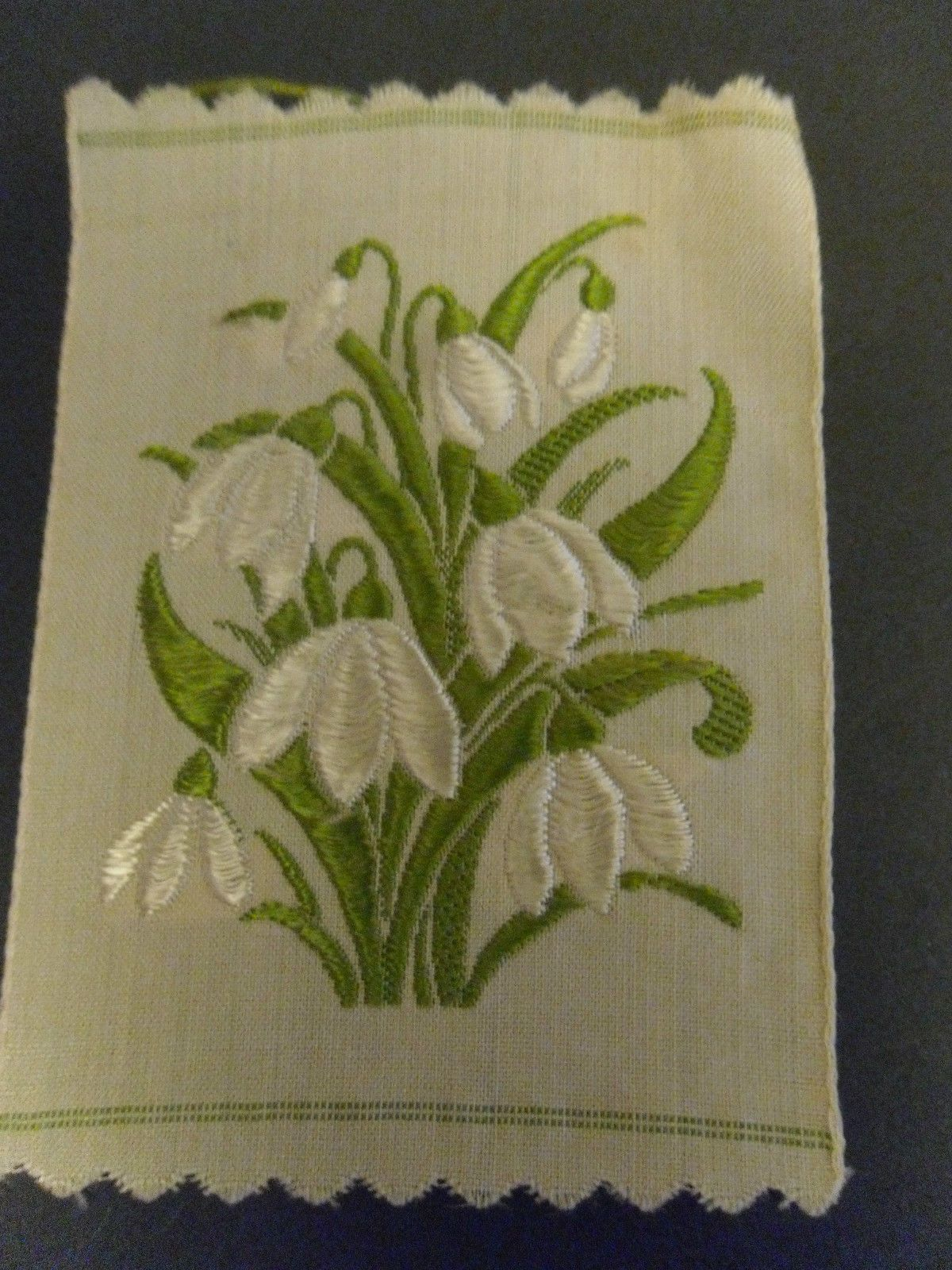 1934 1935 Kensitas Silk Flower Large Size Snowdrop Cigarette