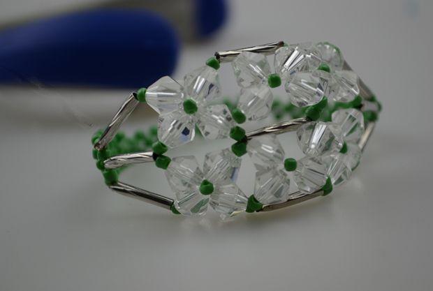 Bracelets to Make Curved Tube Tutoriaks | How to make seed bead bracelets-a unique beading method
