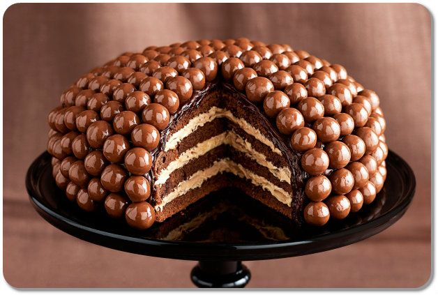 11 Yummy And Beautiful Chocolate Birthday Cakes For Girls