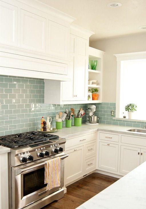 Love the tile backsplash with the white cabinets! | Interior Design ...